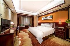 江畔大床房