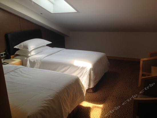 Loft Standard Room