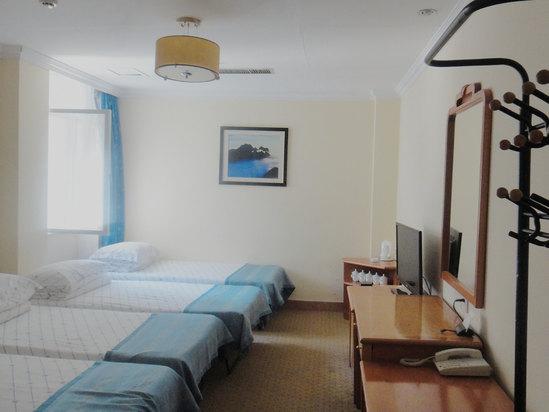 温馨家庭房(5人平铺房)(每床位)