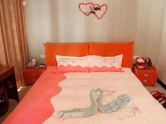 1314 Honeymoon Room