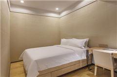 Boutique 3-bedroom Apartment