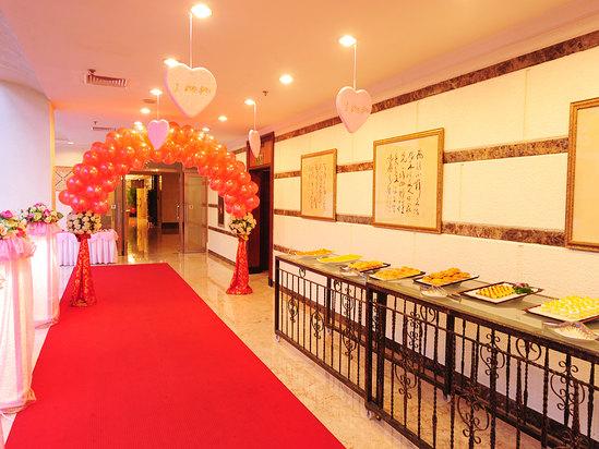 婚宴走廊布置