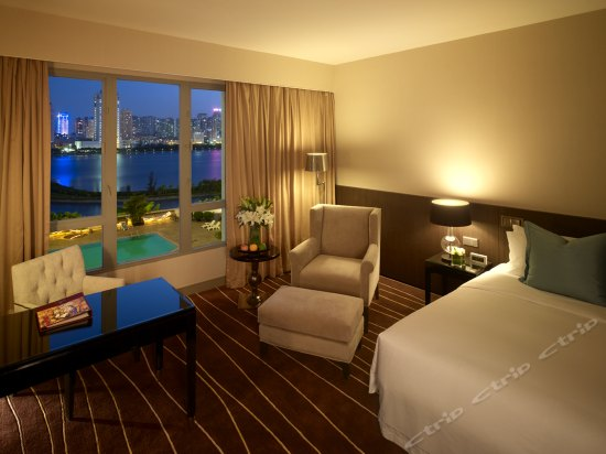 VIP Lake-view Room