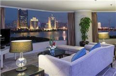 Executive Lake-view Suite