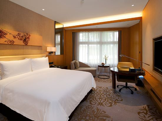 Haiyu building Garden-view Deluxe Queen Room