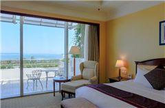 Deluxe Executive Ocean-view Queen Room