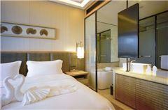 阳光海景大床房