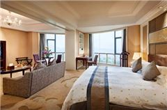 Deluxe Suite A