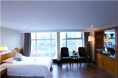 Elegant Queen Room