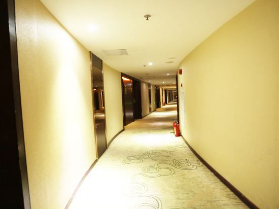 中式三人房