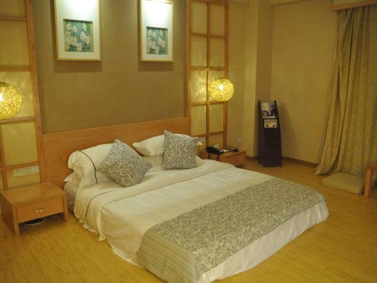日式商务大床房