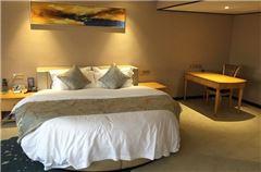 Deluxe Romantic Round-bed Suite