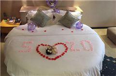 Deluxe Romantic Round-bed Room