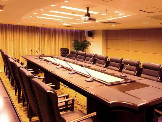 长桌型会议室