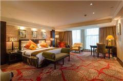 IT Honeymoon Queen Room