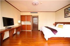 舒適豪華大床房