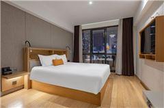City-view Deluxe Queen Room