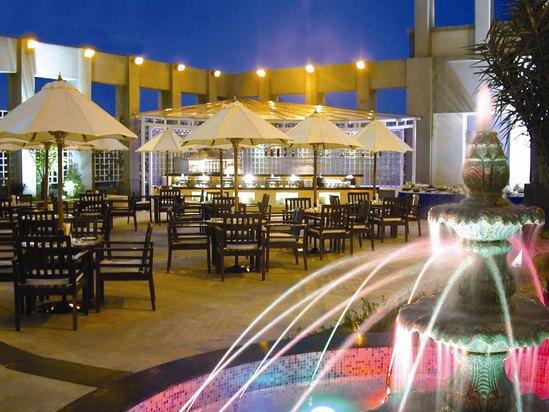 浪花亭池畔餐厅
