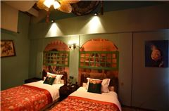 Thematical Queen Room