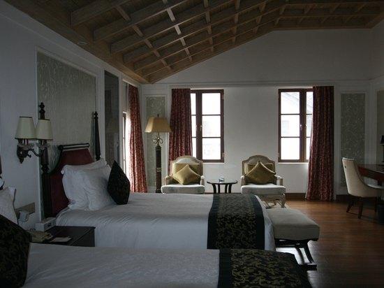 小鎮湖景雙床房