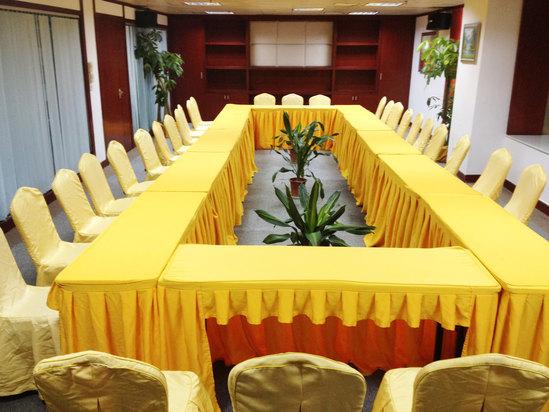 八楼会议室