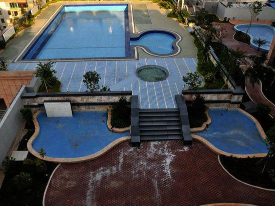 七樓露天游泳池