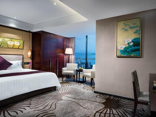 Exevutive Queen Room