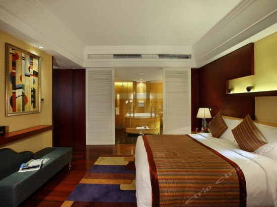 Executive Sea-view Suite