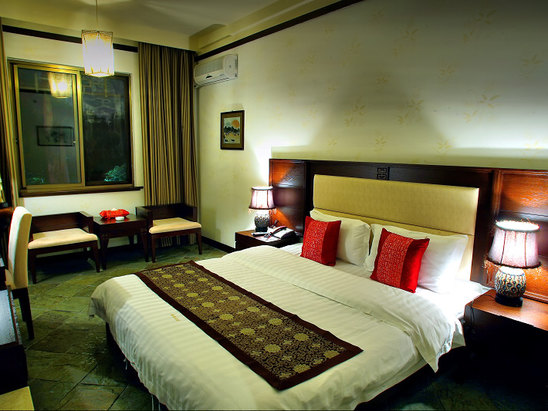 Deluxe Couple Room
