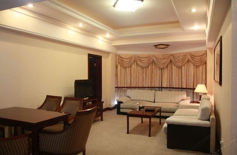 Apartment  4-bedrooms Suite