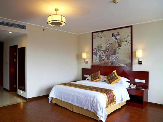 Riverside Road Standard  Queen  Room