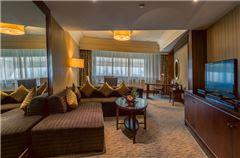 Executive Panoramic Queen Suite