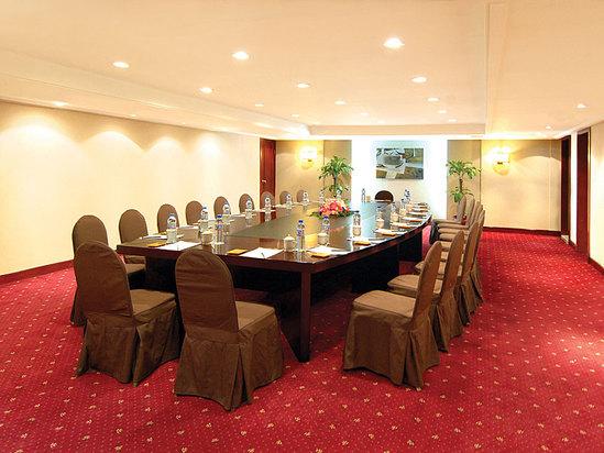 六楼会议室