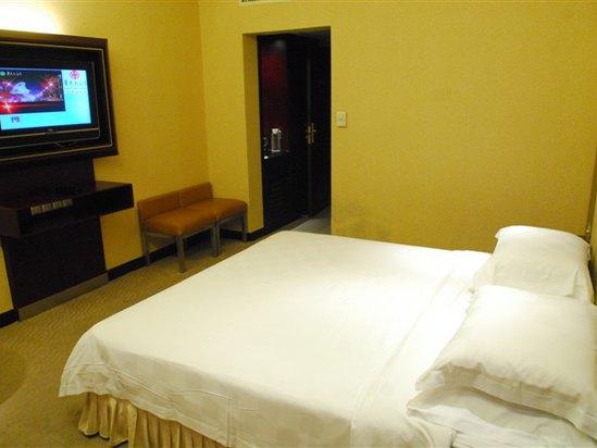 Villa A Standard Queen Room