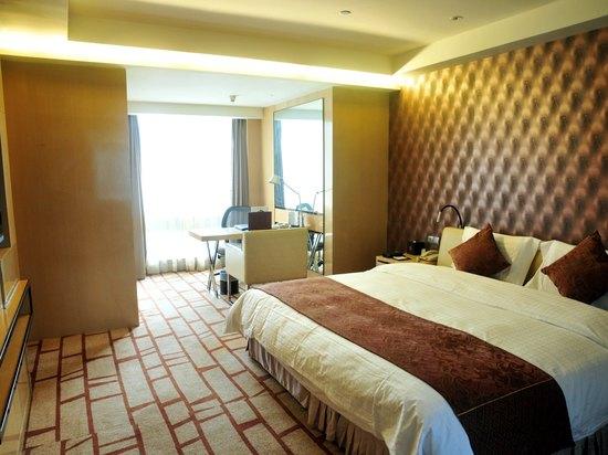 Superior Queen-bed Room