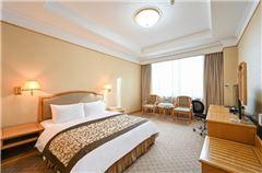 Deluxe Three-bedroom Suite