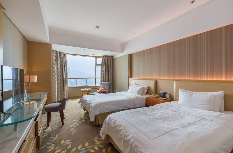 Standard Twin Lake-view Room