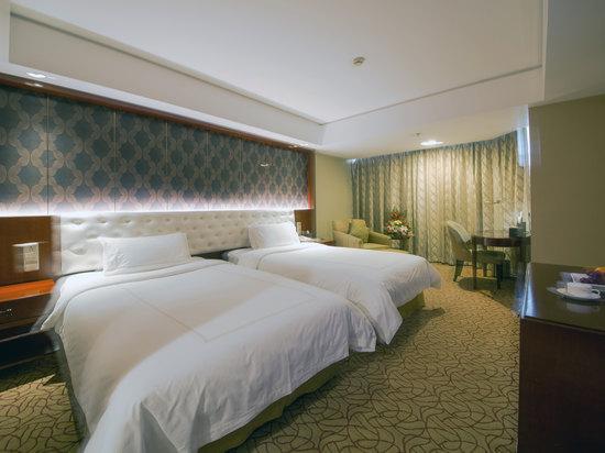 Lake-view Standard Room
