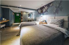 左艺术双床房