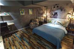 左艺术大床房