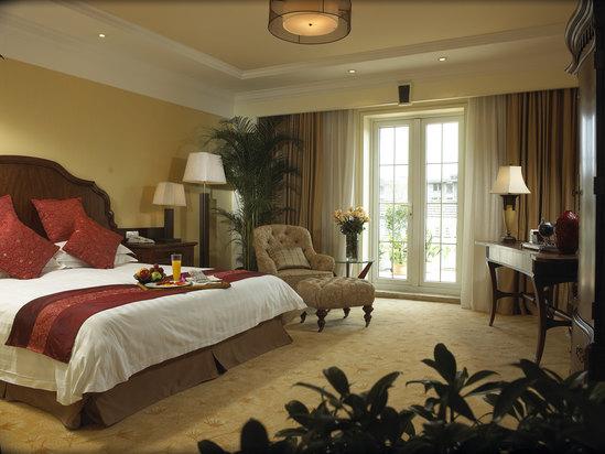 Deluxe Garden-view Room of Qimei Villa