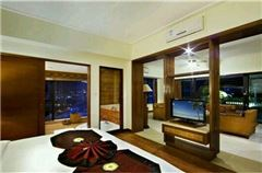 Mountain-view Room
