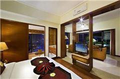 Harbour Panoramic Queen Room