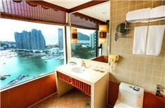 Ocean-view Queen Suite