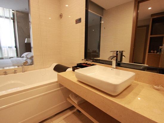 豪华单人房洗手间