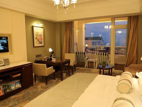 Lengthen Ocean-view Queen Room