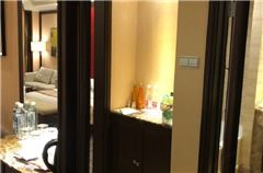 Health Queen Room