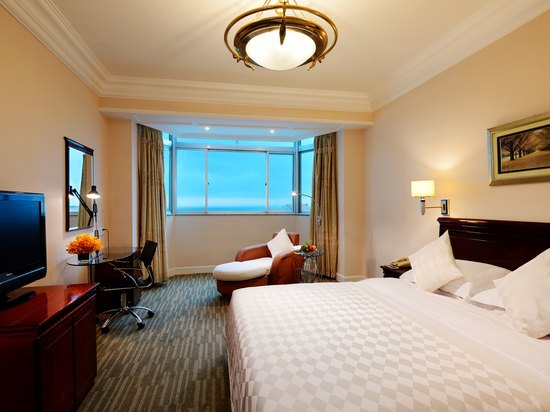 Ocean-view Queen Room B