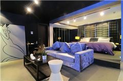 Blue and Green Queen Room