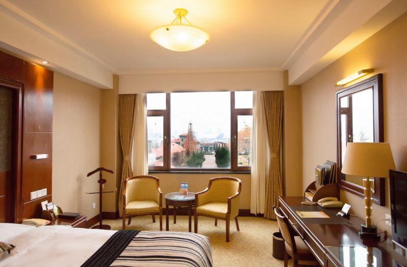 Garden-view Standard Room
